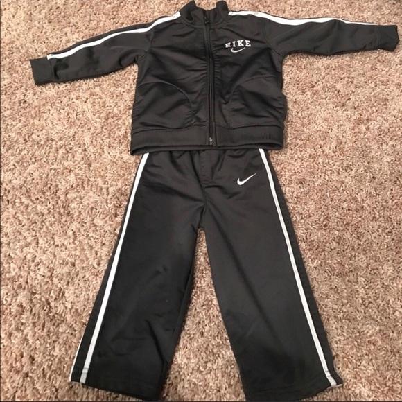 Nike Jogging suit
